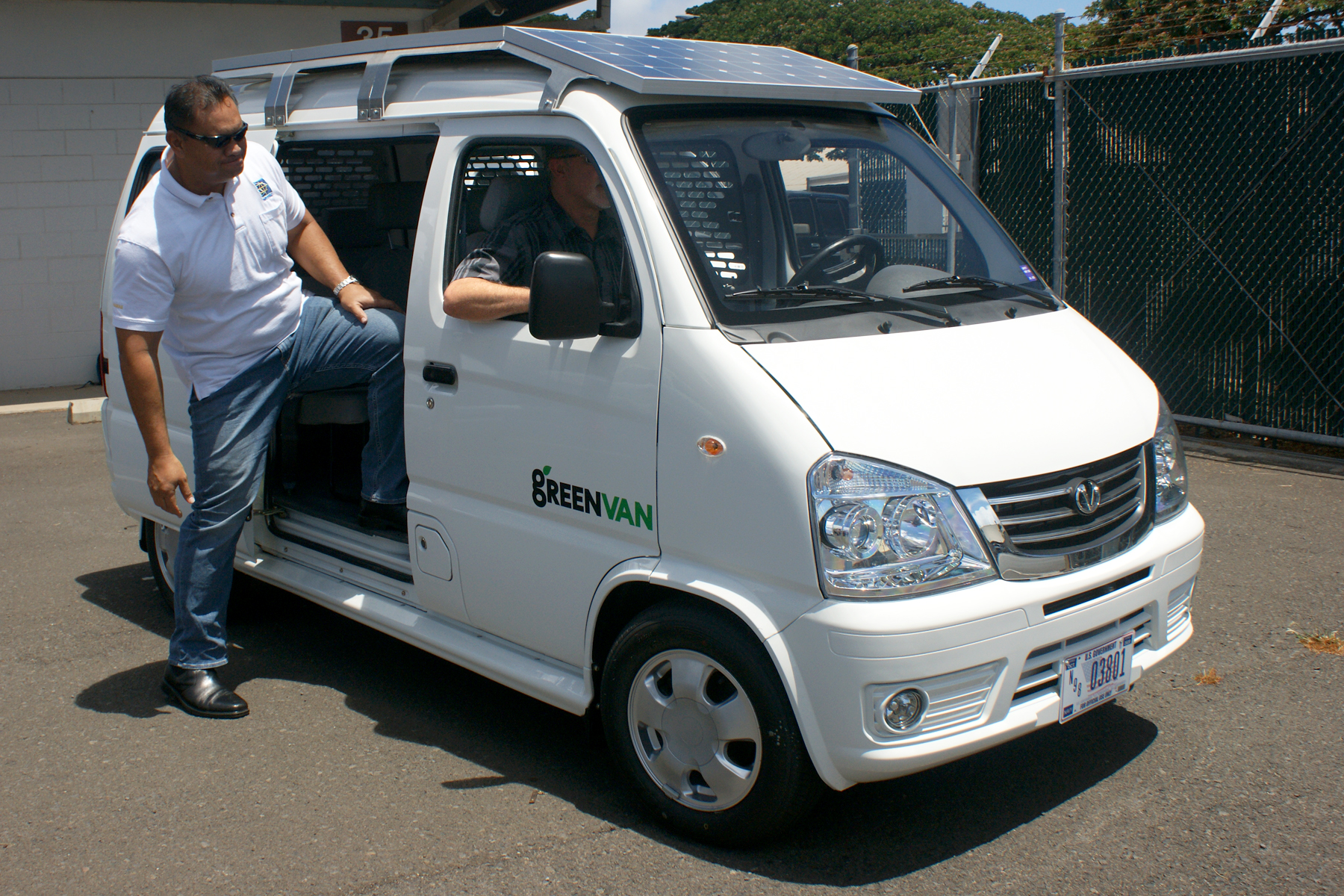 Navfac Hawaii Adds 36 Electric Vehicles To Jbphh Inventory
